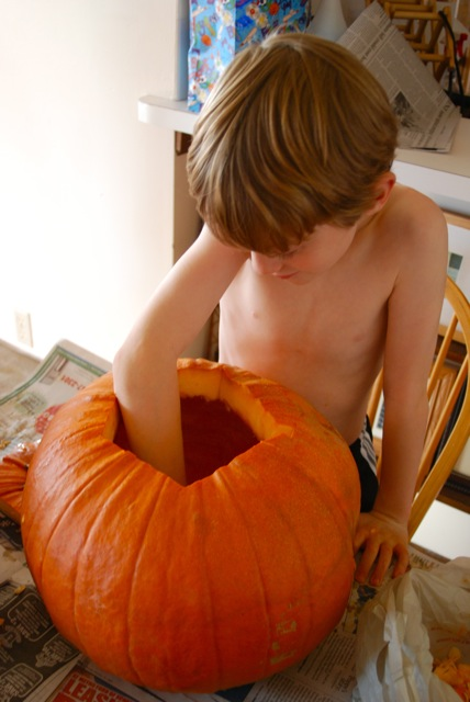 pumpkin carving_davin