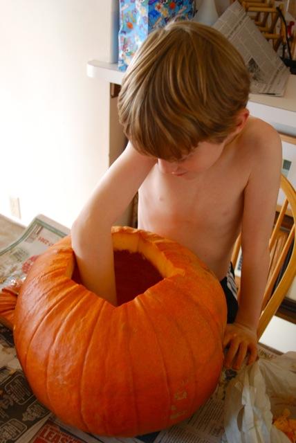 pumpkin carving_davin